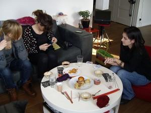 les filles tricotent