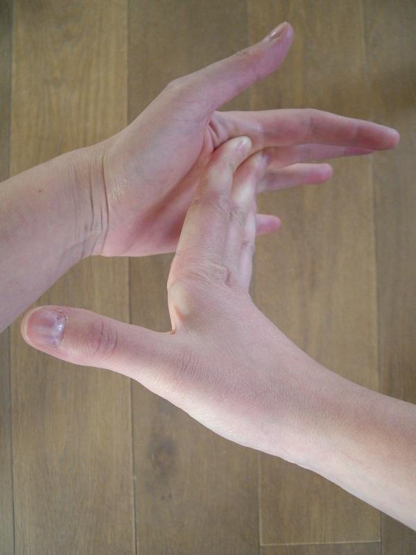 Tutost o soulager une tendinite de la hanche ou de l 39 aine for Douleur interieur cuisse droite