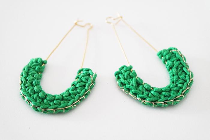 boucles d'oreilles vertes et or