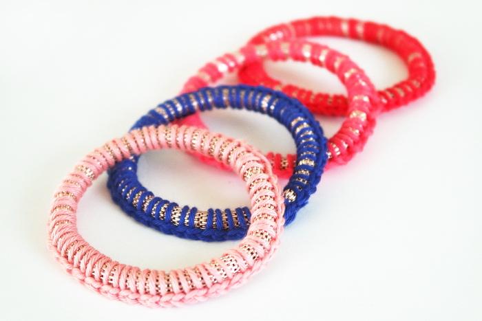 bracelets rouge rose bleu
