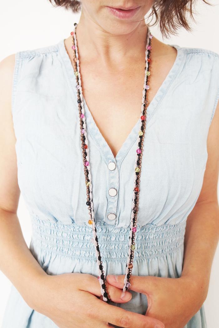 collier sautoir noir crocheté